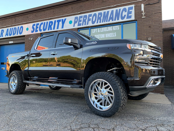 2019 Chevy 1500 , 6in. BDS lift, 20x10 Chrome Fuel Triton and 35x12.50x20 Nitto Ridge Grapplers