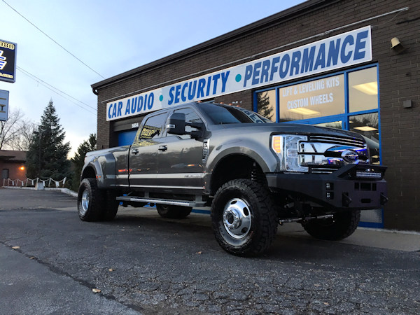 2017 Ford F-350 With a 4 inch Zone Offroad lift with Fox shocks and dual steering stabilizer and 37 inch Toyo Open Country RT tires