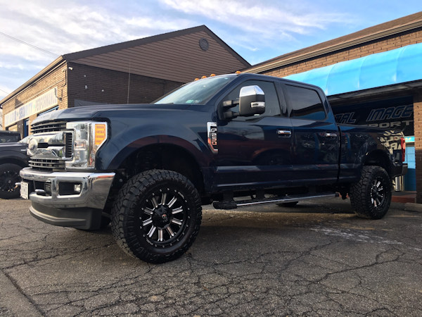 Ford Superduty with 2 inch Rough Country leveling kit and 20x9 Fuel Offroad Hardline wheels with 35 inch Nitto Ridge Grappler tires