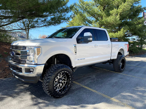 2018 F-250 Super Duty- BDS Four Link 6in Lift Kit with Fox Shocks. TIS Wheels 544 MB 22x12 with Toyo Tires MTs 37x13.50R22