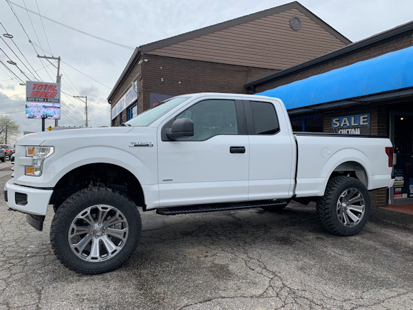 F150 with 7in. Readylift kit, 22x10's with 37x12.50x22