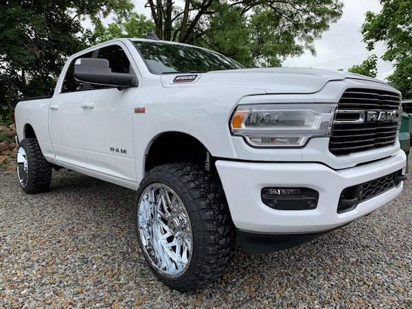 2019 Ram2500 , 2in. BDS leveling kit, 24x12 Tis 544's in chrome, with 35x12.50x24 Fury M/T's
