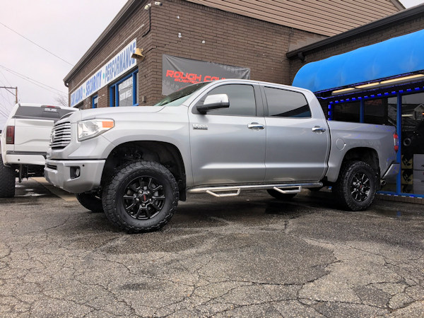 2017 Toyota Tundra with 3.5 inch Rough Country lift and 33 inch BF Goodrich All Terrain TA/KO2 tires
